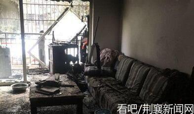 成都90岁老太家中烧纸引火灾还不忘辣椒酱,暖心邻居不要求赔偿